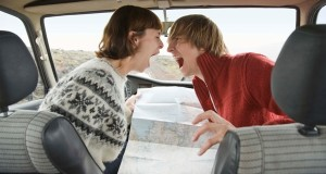 arguing_couple_car_trip_600x369